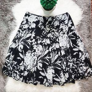 Banana Republic Floral lined Skirt Sz 6